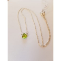 Peridot droplet on a silver chain R230